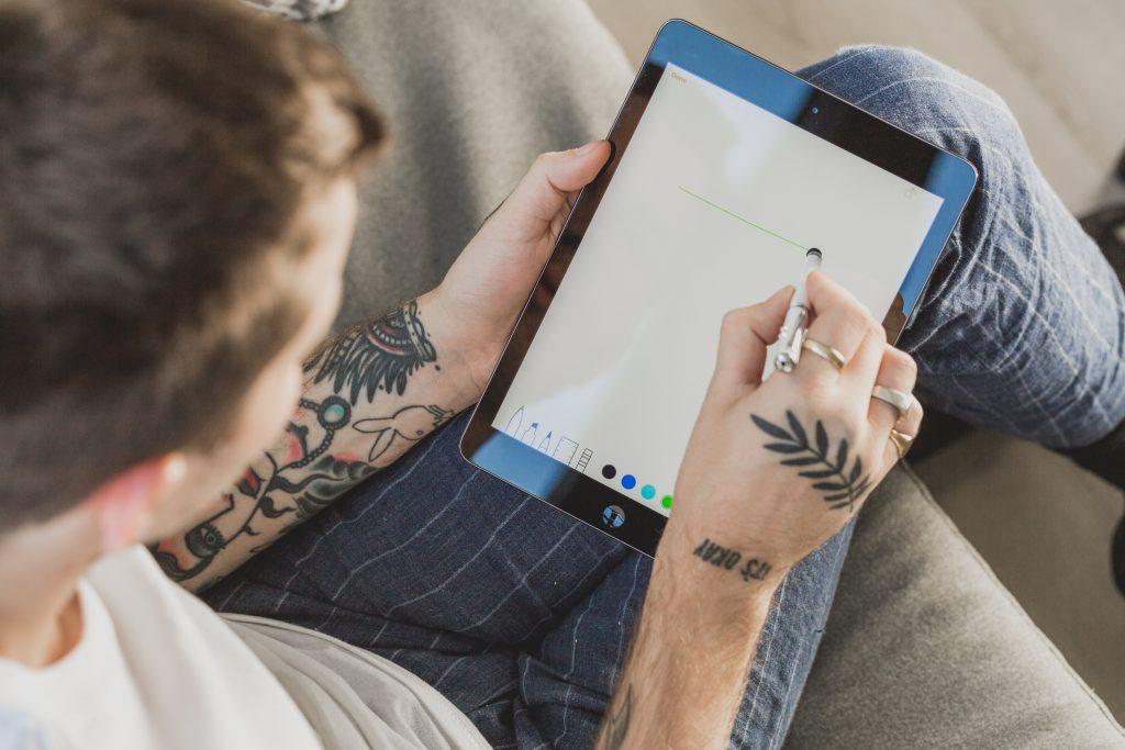 la tablette pour designer au travail