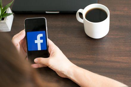 nomophobia facebook